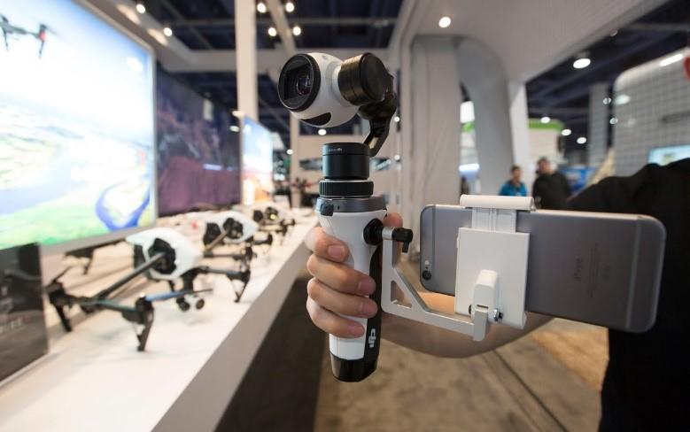Le stabilisateur main pour la caméra du DJI Inspire 1