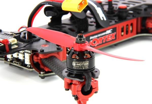 Des moteurs T-motor de chez ImmersionRC équipent le Vortex