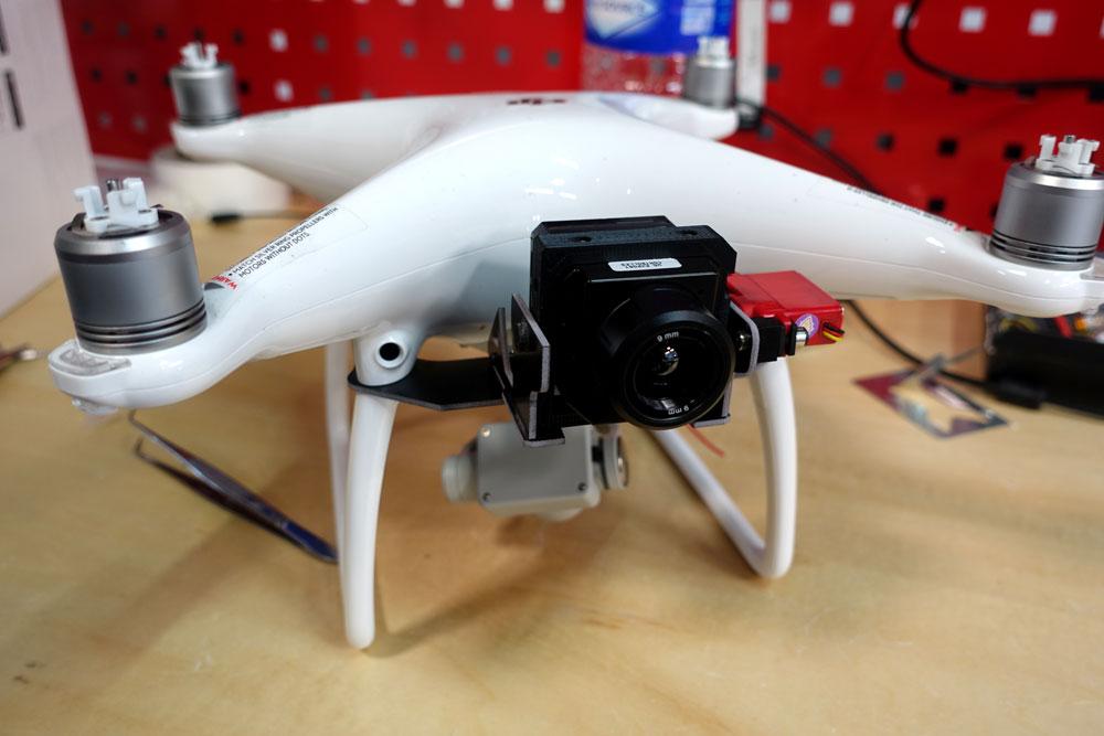 DJI Phantom 4 avec caméra thermique FLIR Vue Pro
