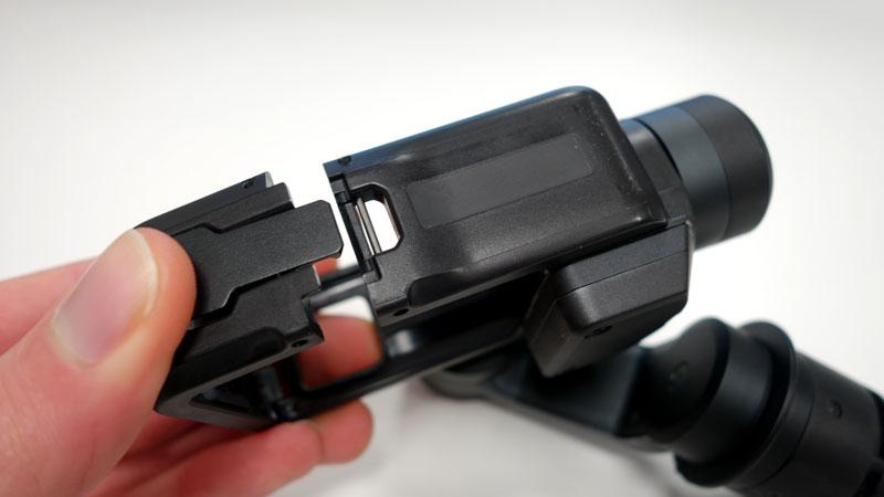 Fixation de la GoPro Hero5 Black sur le GoPro Karma Grip