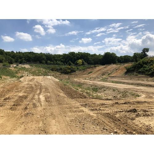 Terrain de motocross1
