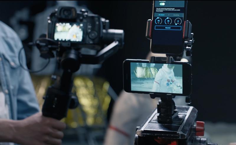 Force Mobile avec deux smartphones