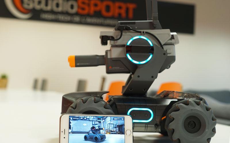 RoboMaster S1 et smartphone iOS pour le pilotage