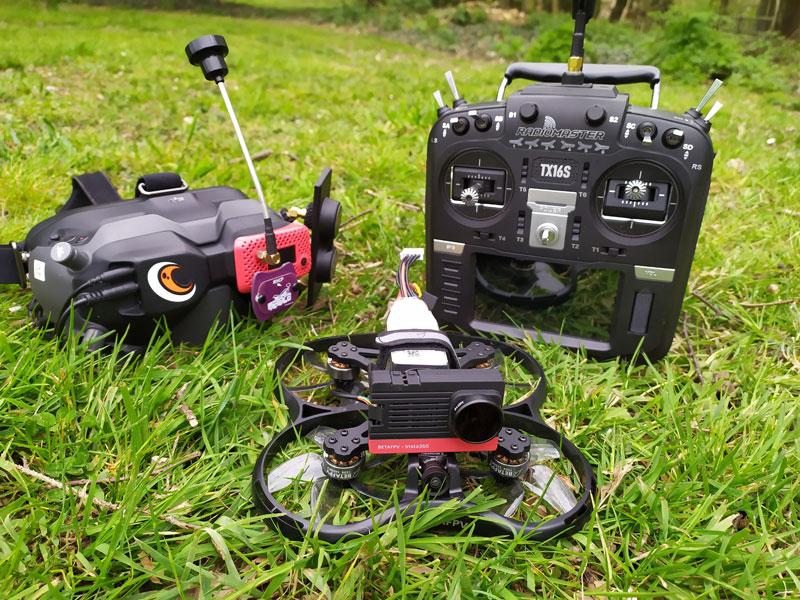BetaFPV Pavo30 avec casque DJI FPV et Radiomaster TX16S